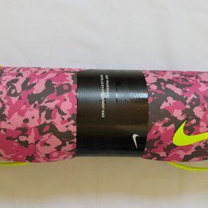 Nike pink camo training mat
